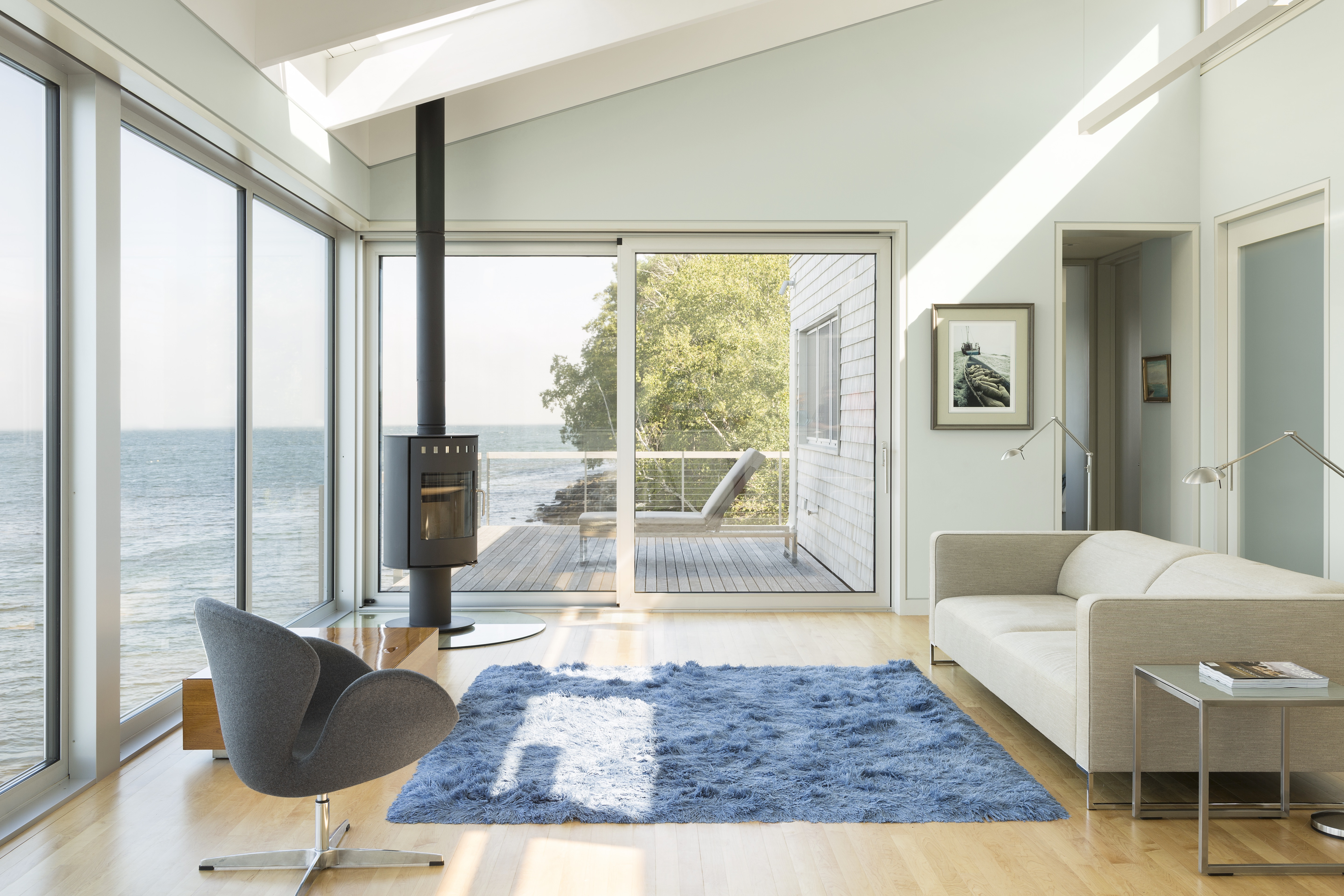 This One Story House In Maine Was Designed To Hang Over The Sea