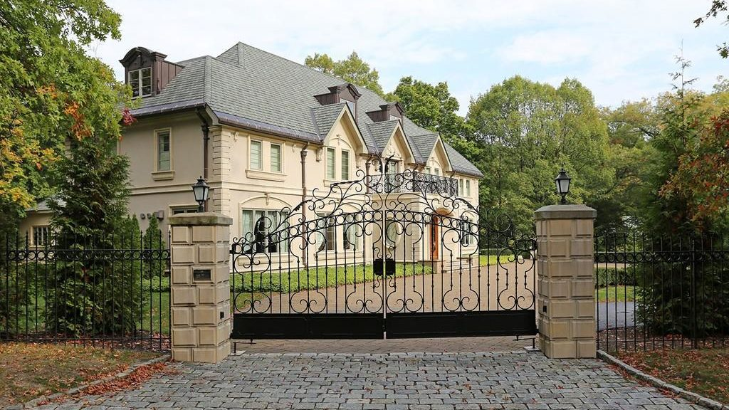 The 10 most expensive single family home sales in the for Cost of building a house in jamaica