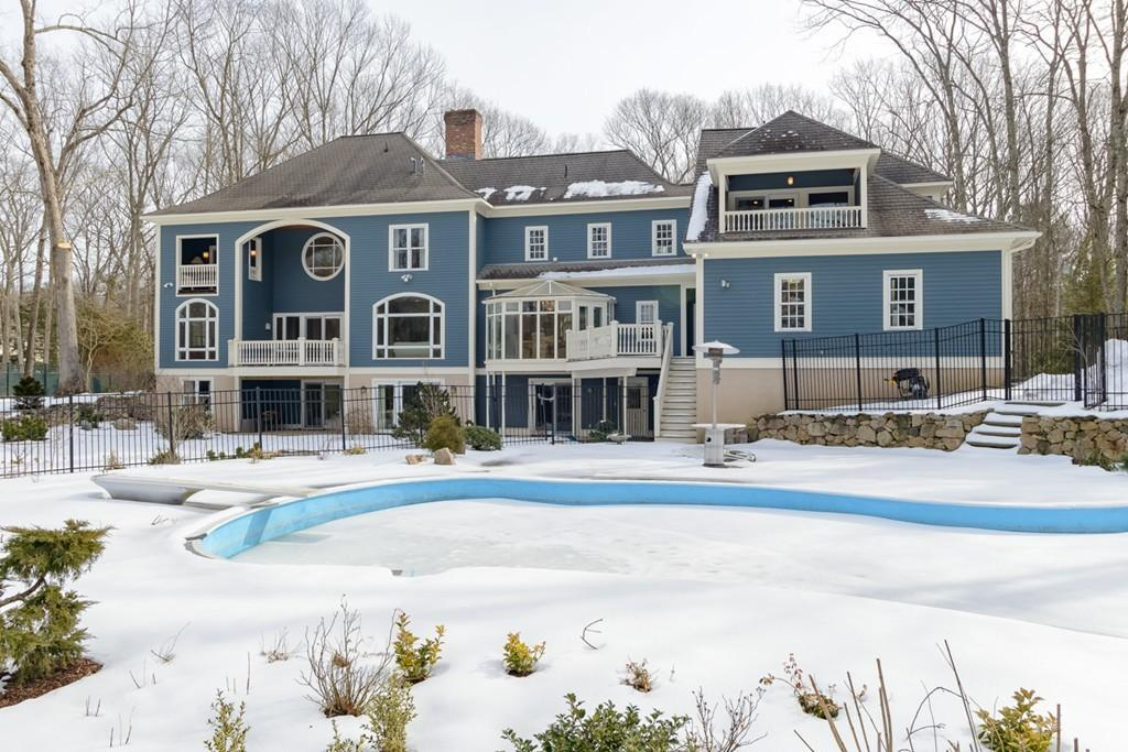 Luxury Home of the Week: A Wellesley estate with cobblestones from the Big Dig
