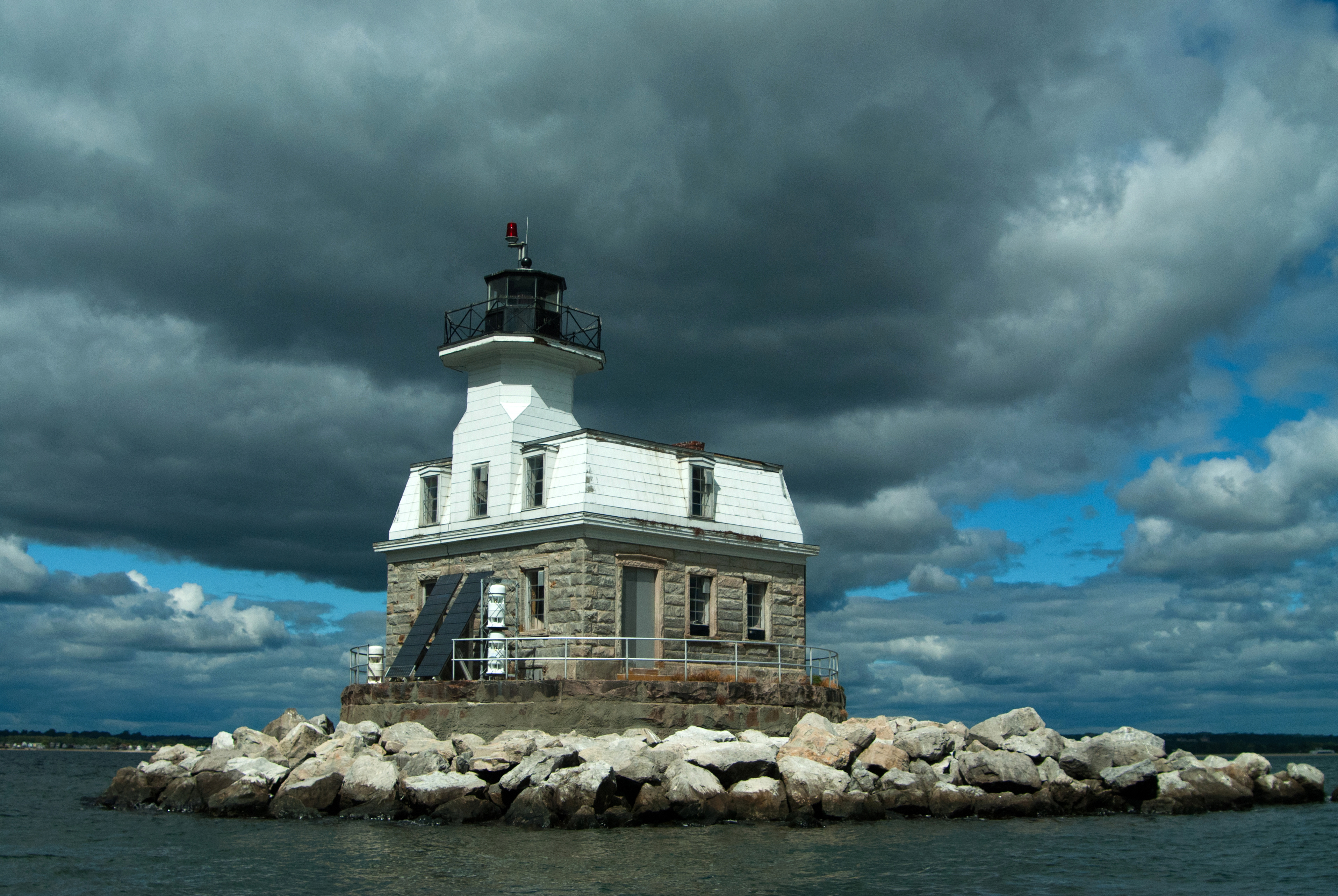Bill would allow lighthouse to become home for cremated remains