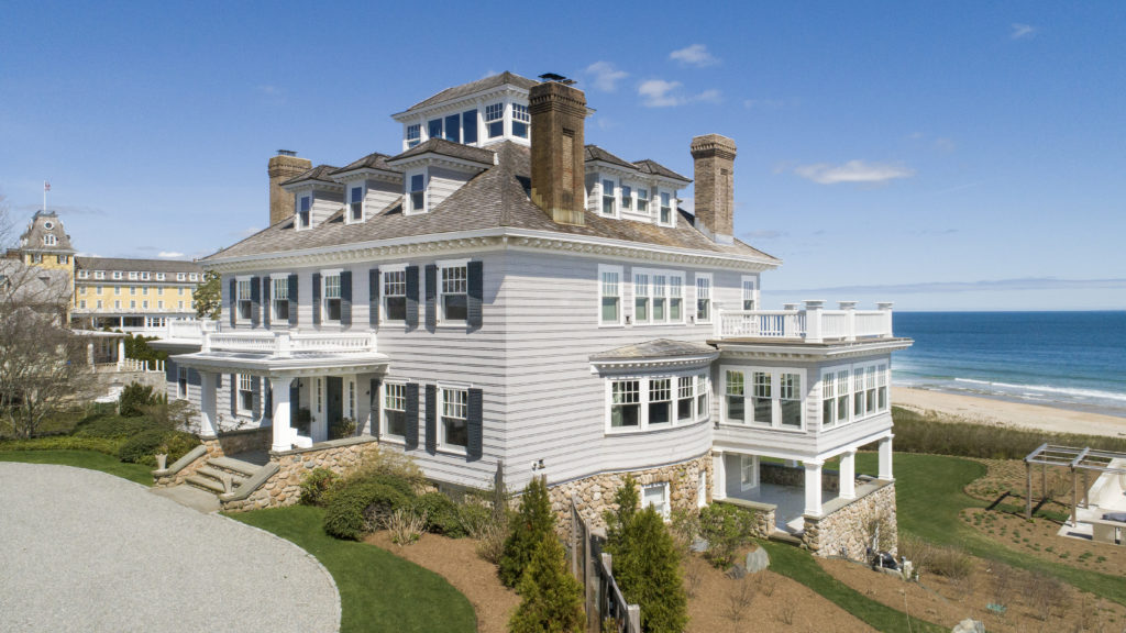 For Sale A Home Near Taylor Swift S R I Mansion On The Market For